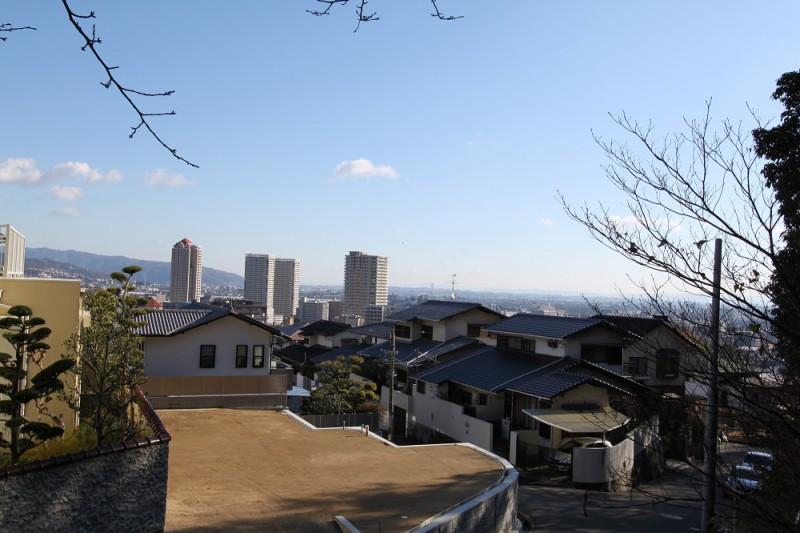 現地写真:南向きの宅地は日当たり良好です。
