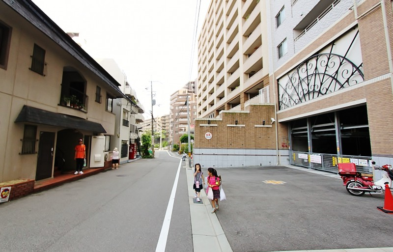 JR線もご利用いただけます。(JR福知山線「宝塚」駅まで徒歩9分)
