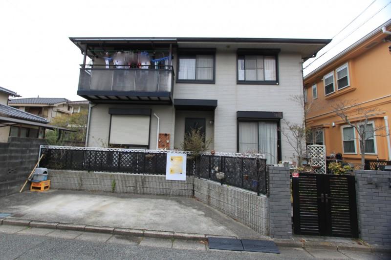 建物面積:153㎡(46坪)2世帯住宅としてもご利用いただける広さ。室内もとてもきれいです。