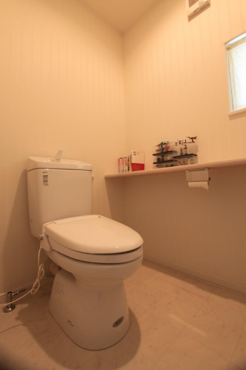 トイレ:1階2階ともにシャワートイレ