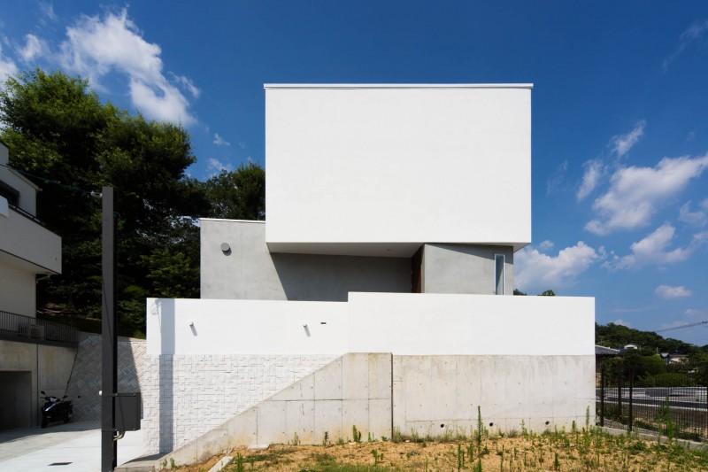 弊社施工事例:外観 シンプルでありながら、洗練されたデザインを。建築家とこだわりの家を建築できます。