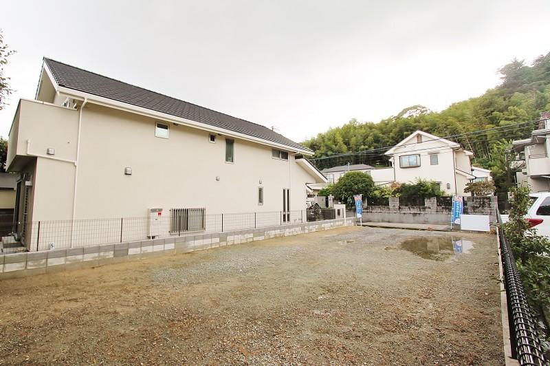 敷地面積57坪のゆったり敷地に完全自由設計でお好きなお家を建てることができます。