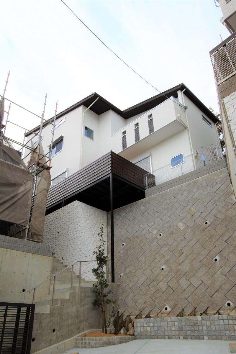 外観 「宝塚市雲雀丘1丁目」築浅物件 眺望を楽しむ家