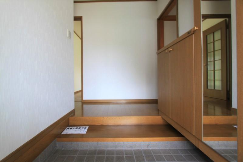 【玄関】収納が充実しています。
