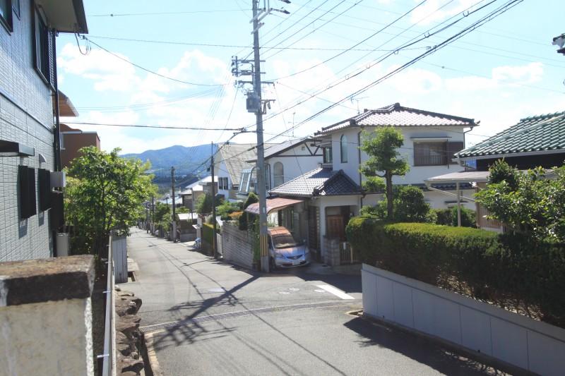 【物件からの眺望】周辺は閑静な住宅街です。