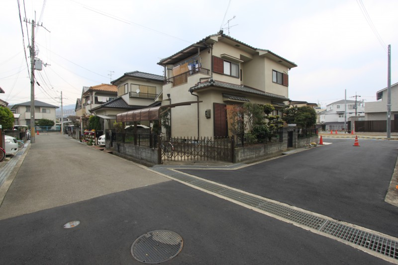 阪急山本駅徒歩10分、ほぼ平坦な道のりです。