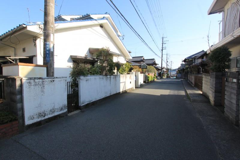 山下駅 徒歩8分です。